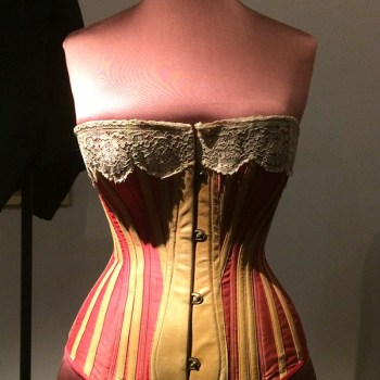 The V&A: A Trip Through 19th Century Fashion