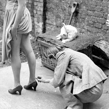 WW2 Fashion: Liquid Seamed Stockings