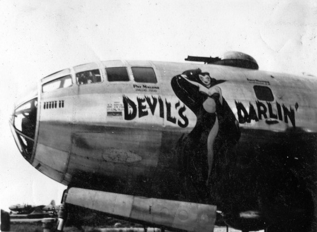 Devils Darlin Nose Art