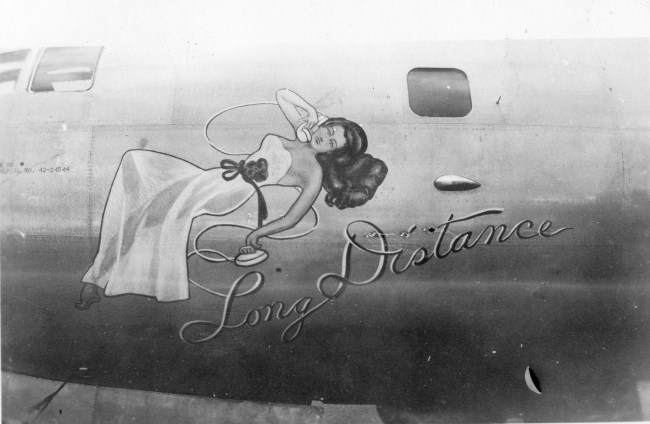 Pinup girl 1940s nose art
