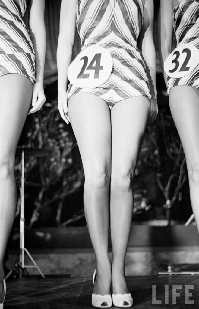 Beautiful legs competition 1940s