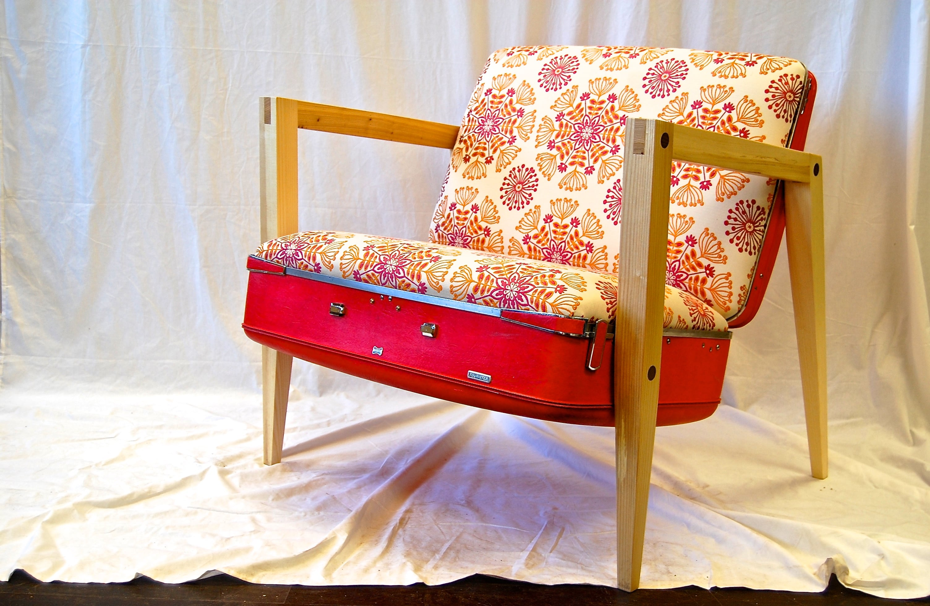 Suitcase Chair Wehrli Furniture