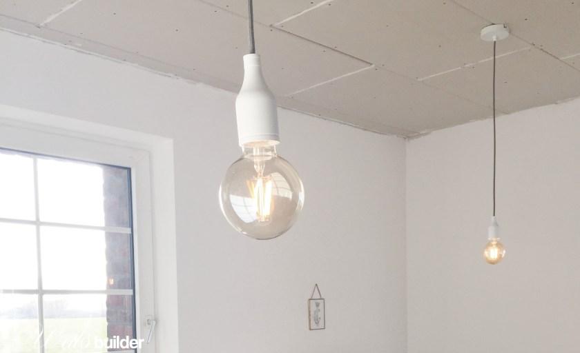 Lampen hängen…