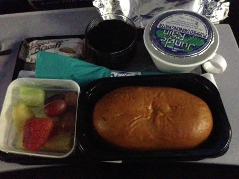 HNL->TPE第一餐