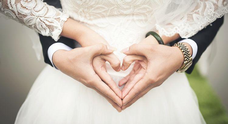 Warum nennt man ein Ehepaar nicht mehr Liebespaar? - Esragül Schönast