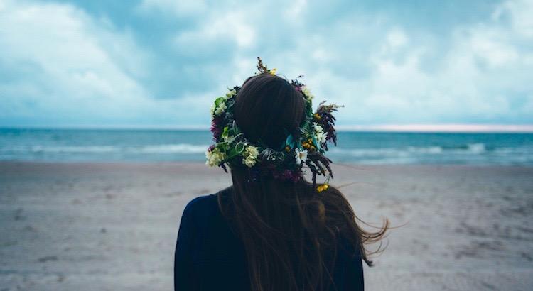 Kämpfe um das, was dich weiter bringt. Akzeptiere das, was du nicht ändern kannst. Und trenne dich von dem, was dich runterzieht. - Unbekannt