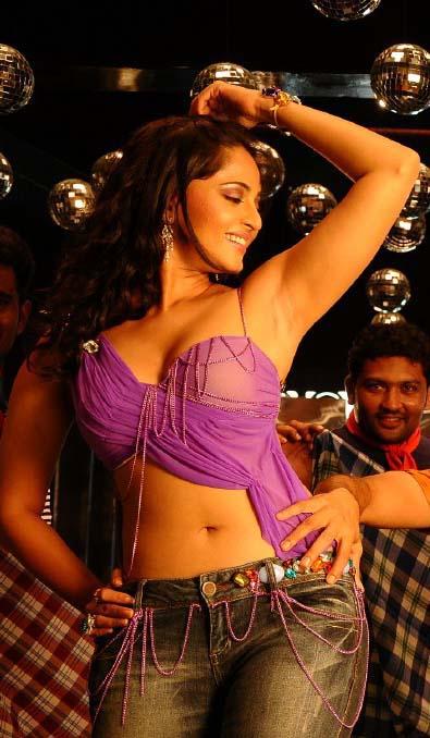 Lovely Girl Smile Wallpaper Gorgeous Smile Of Lovely Anushka Shetty Welcomenri