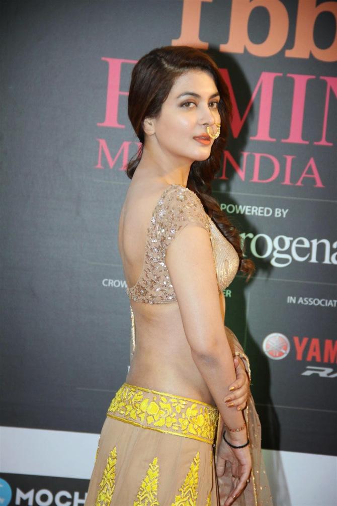 Ankita Lokhande Hd Wallpaper Celebrities In Designer Backless Blouses