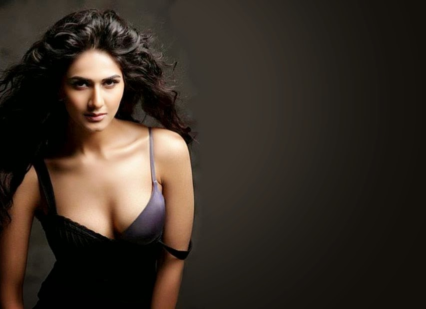 3d Wallpaper Online Shopping India Vaani Kapoor Hot Photos And Unseen Pics Welcomenri