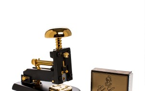 El Casco_Stapler_Small_Gold & Black_detail2