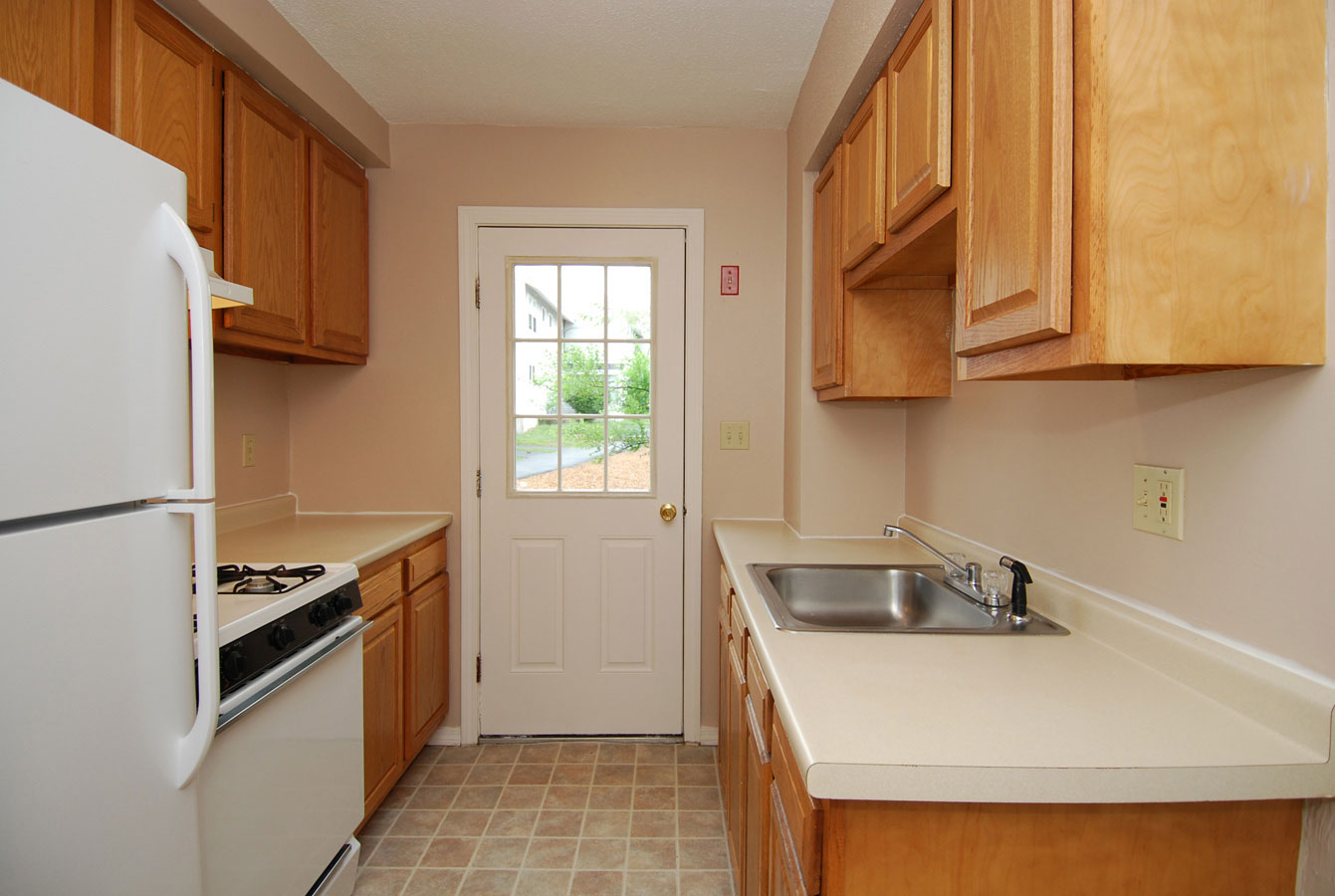 2 Bed Apartment Manchester 3 Bedroom Apartment In Manchester Nh At Wellington Terrace Apartments