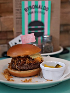 BYRONALDO, BYRON HAMBURGERS, WE LOVE FOOD, IT'S ALL WE EAT