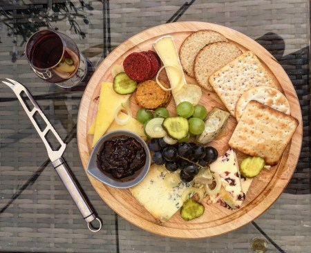 THE MOUNT VINEYARD | SHOREHAM KENT | CHEESE BOARD 2 | WE LOVE FOOD, IT'S ALL WE EAT.