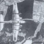 Draufansicht einer B-17G Fliegende Festung der 96. Bomber-Gruppe auf dem Weg zu ihrem Ziel.
