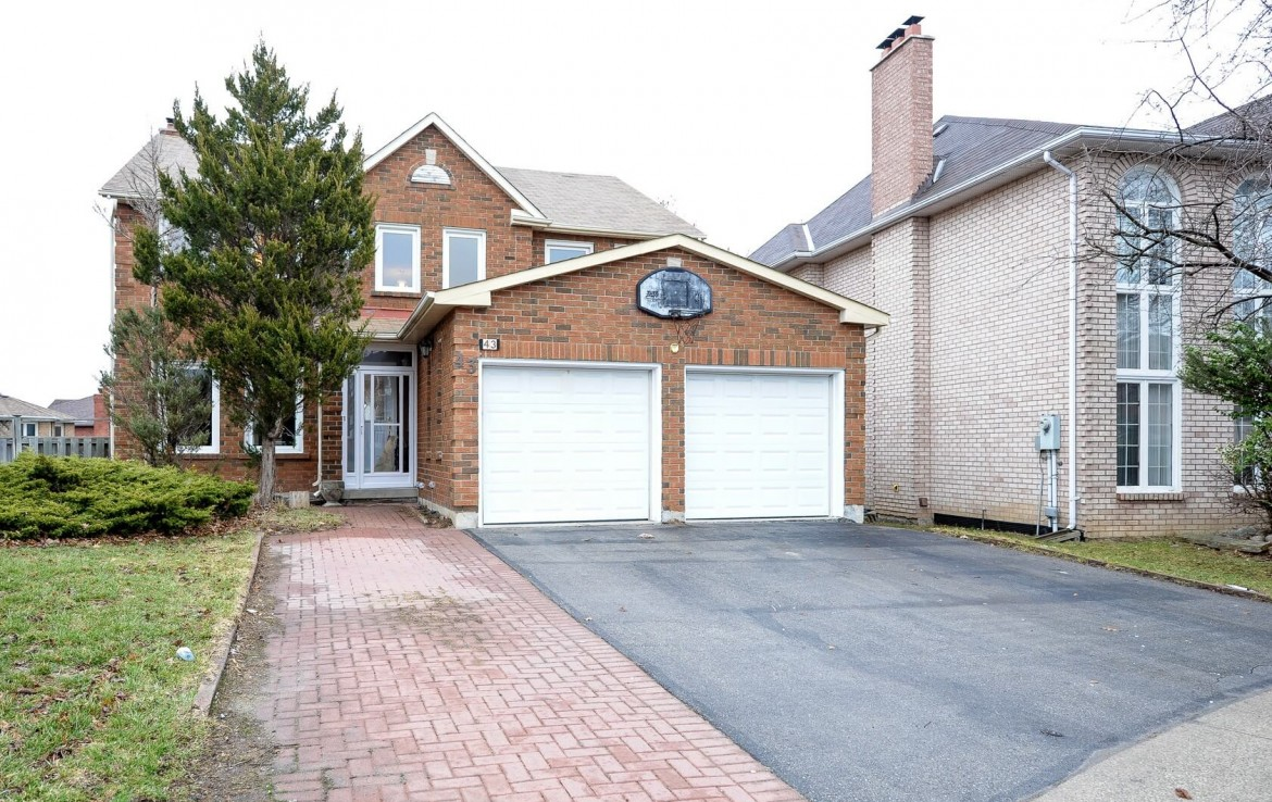 Fabulous Detached Home - 43 Piccadilly Rd, Richmond Hill, ON L4B 1S9, Canada