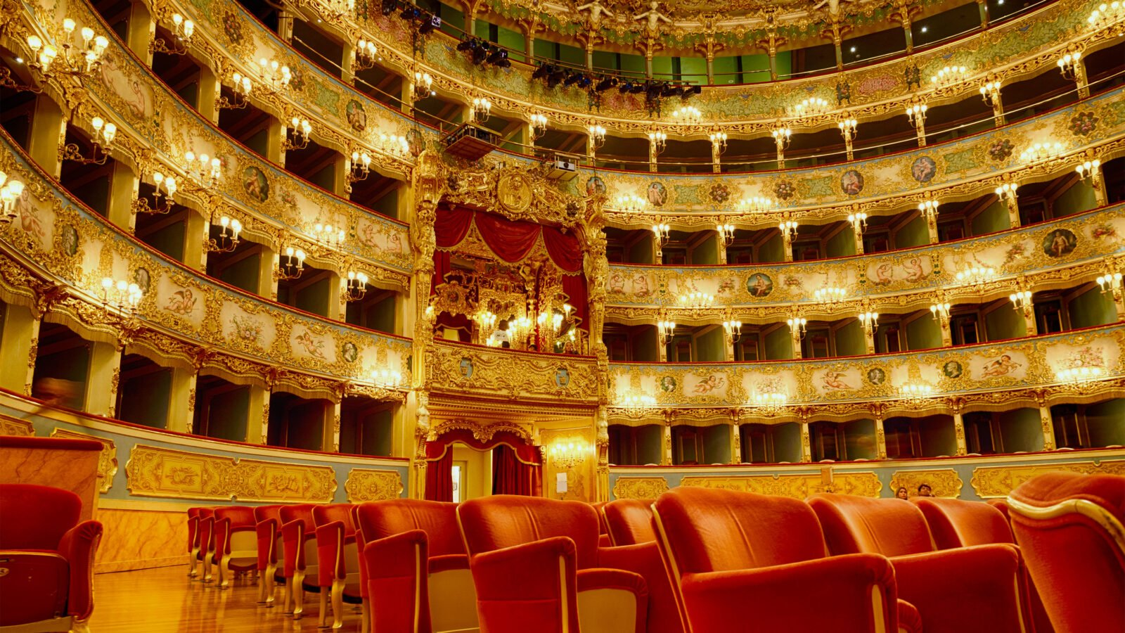 Arte Concert Opera De Paris Fire At Venice S La Fenice Brought Quickly Under Control 98 7wfmt