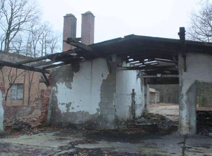 Tak wygląda obecnie teren byłego sanatorium, źródło: https://www.facebook.com/Tomasz-Miler-431840596990189/