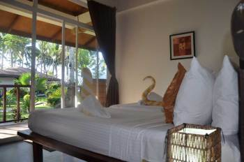 Cadlao Resort 01