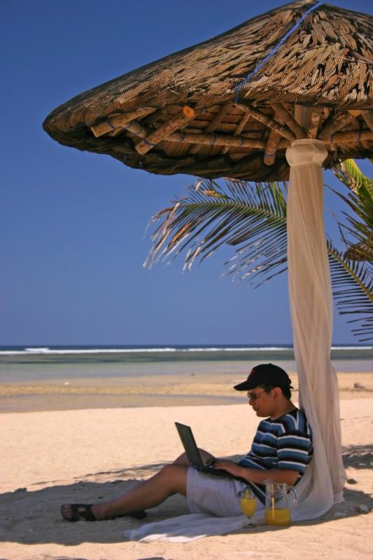 Puerto Del Sol Beach Resort 01