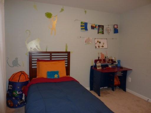 monkey themed boy's room, monkey wall decals