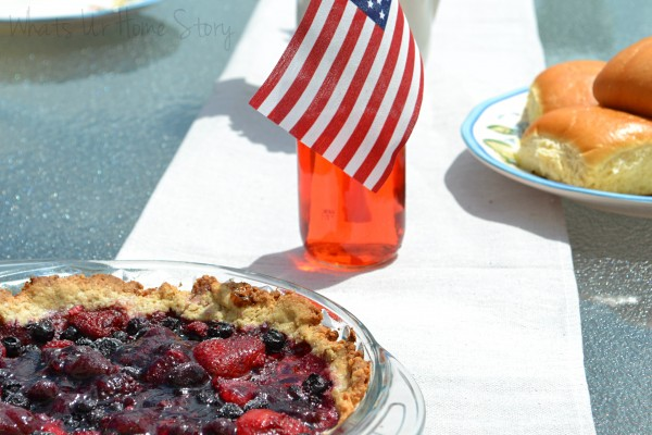 july-4th-decorations,Simple July 4 decor, patriotic decor, july 4th decorations, Berry tart