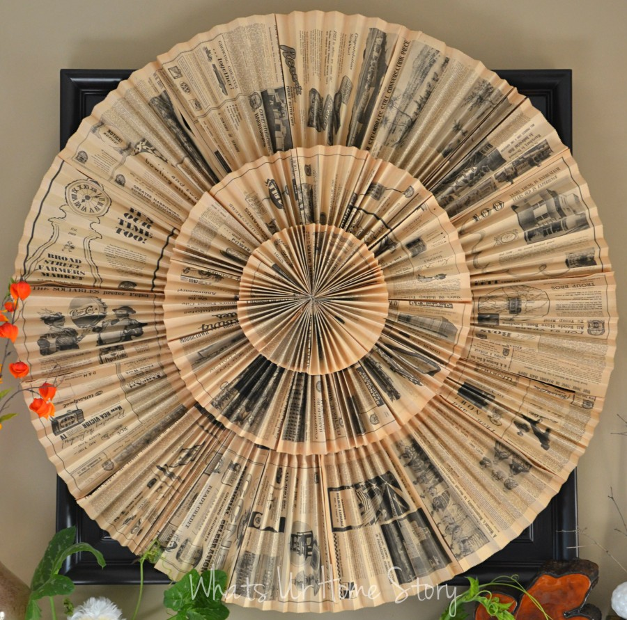 newspaper-wreath,Fall Decor, Vintage newspaper medallion wall hanging, paper fan medallion wall art, Vintage newspaper medallion  tutorial, paper fan medallion tutorial, DIY paper accordion wall hanging,upcycled newspaper wreath