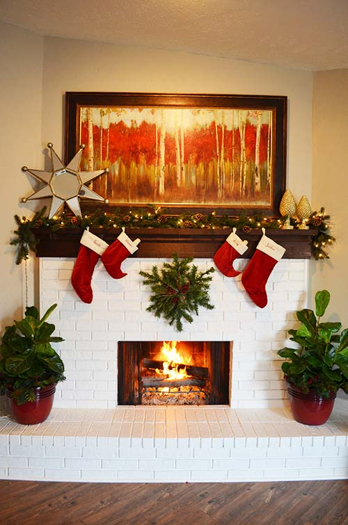 Easy Christmas Mantel decorating ideas