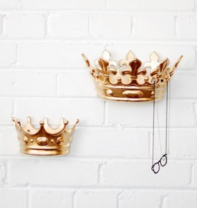 queen wall hook