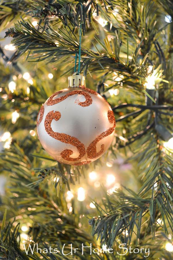 Glitter Swirl Ornament Tutorial