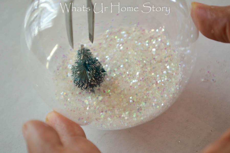 Snow Globe OrnamentWhats Ur Home Story
