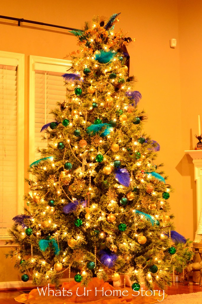 be-differnt-and-go-with-a-peacock-themed-christmas-tree-this-year