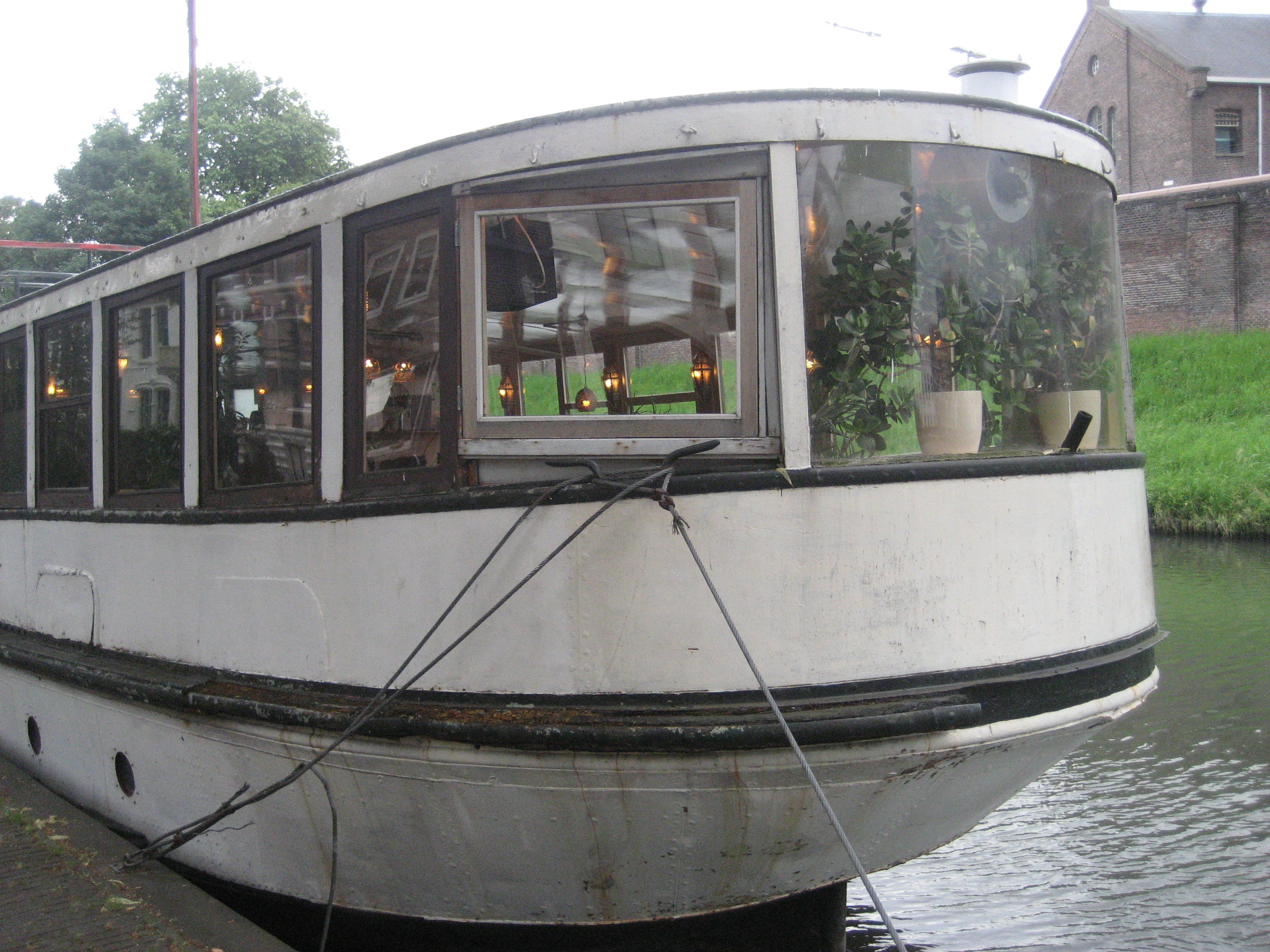 Coffee Shop Utrecht Floating Coffeeshop What The Dutch