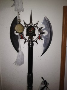 This is the ax I was talking about. I forgot to add the picture last episode.