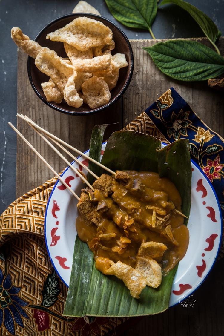 Sate padang (Padang-style sate)