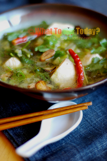 DAI CHILE-FISH SOUP WITH FLAVORED OIL