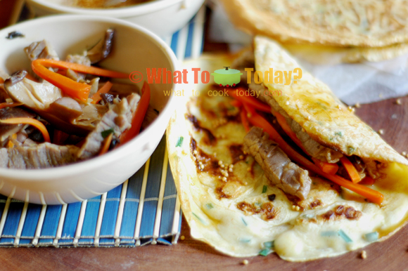 STIR-FRIED MONGOLIAN STEAK WITH CHILI-CHIVE CREPES