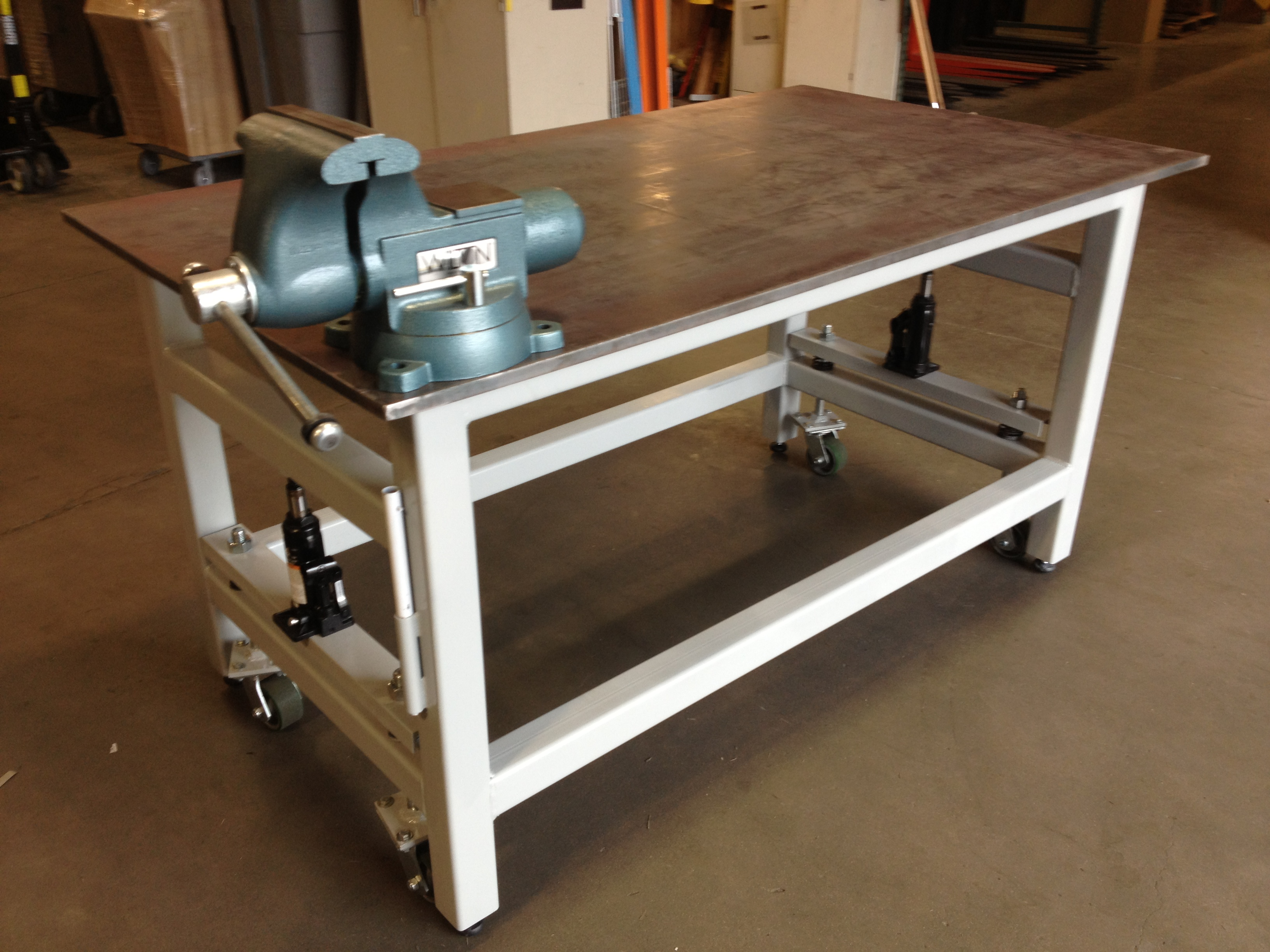 Diy Workbench With Wheels Diy Workbench Retractable Wheels Woodworking Bench Vise Reviews