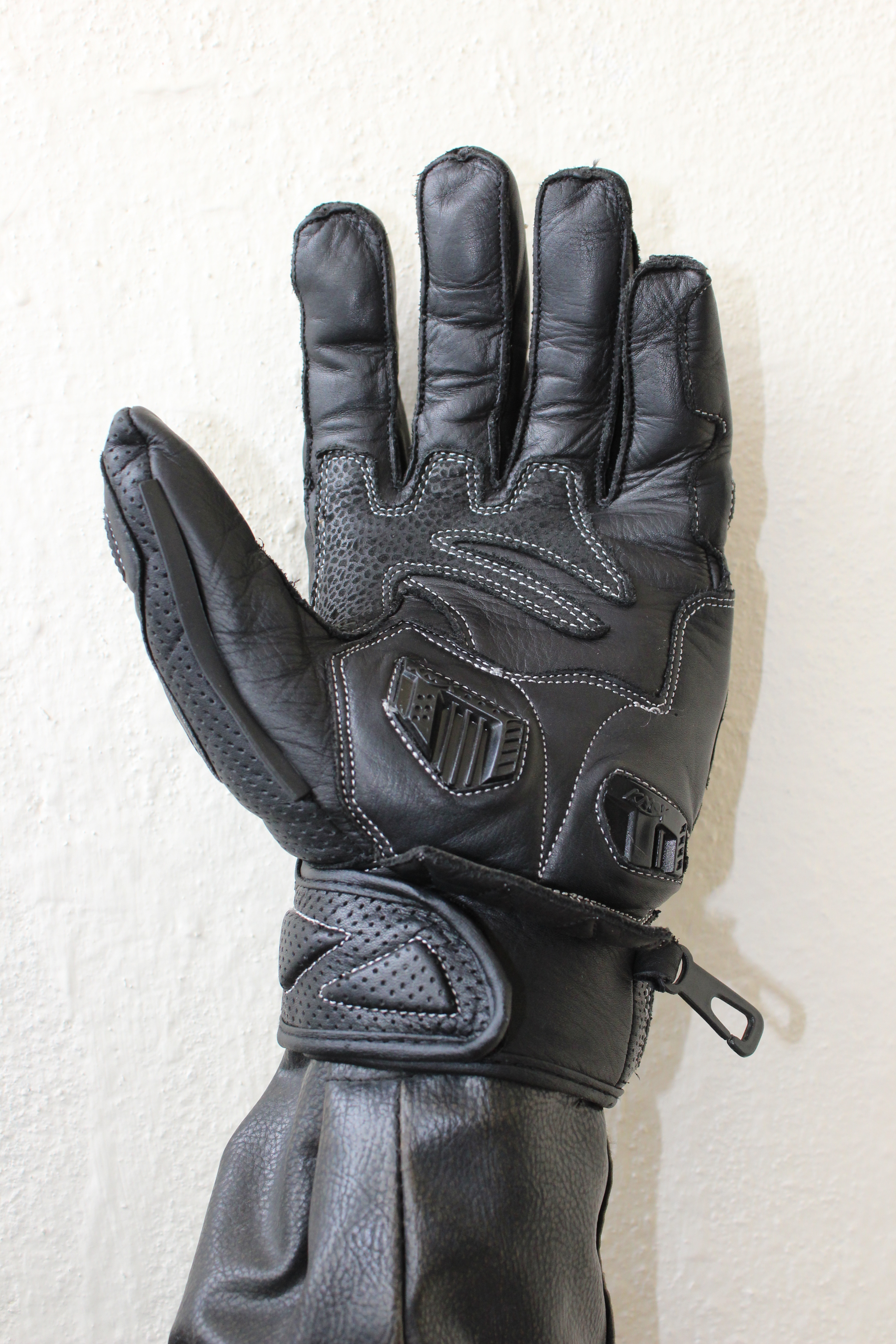 Motorcycle gloves bangalore face