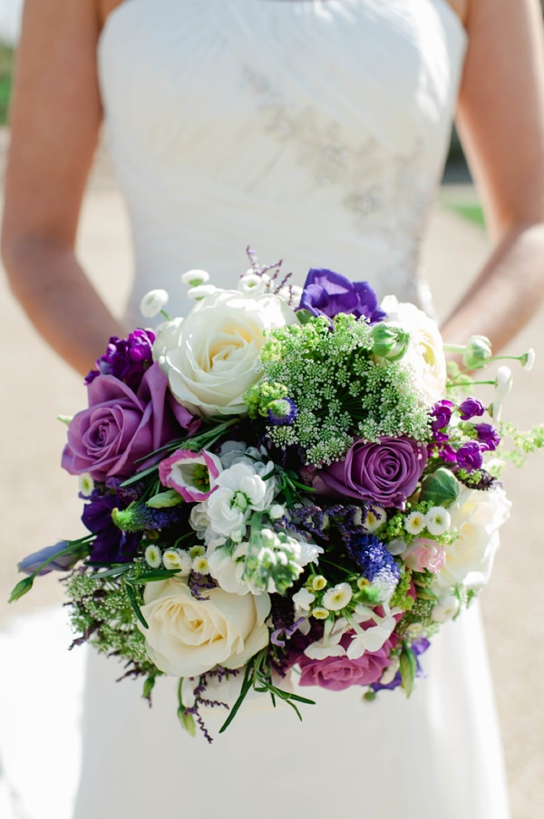 purple wedding bouquet http://www.alexa-loy.com/