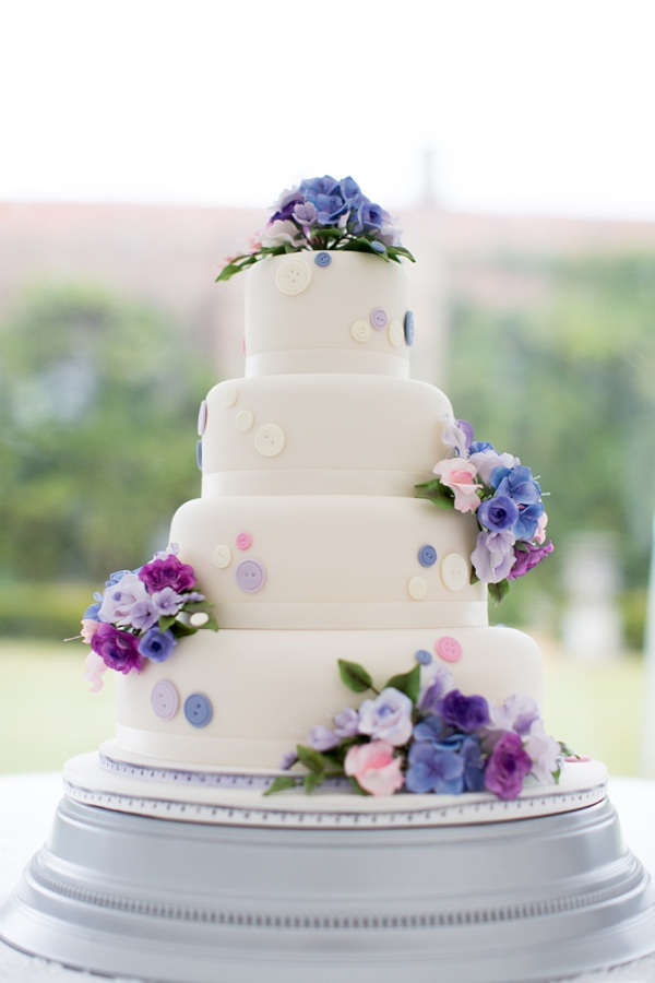 white wedding cake http://www.katherineashdown.co.uk/