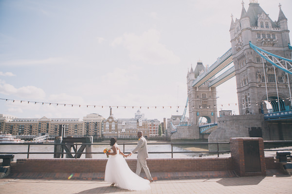 Vintage London Wedding http://www.blushandwhimsy.blogspot.co.uk/