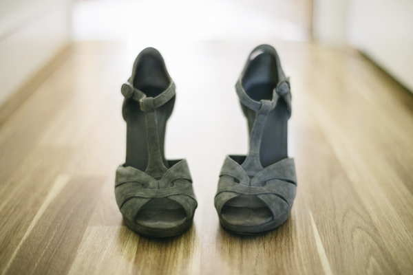Comptoir des Cotonniers green shoes Yellow 1920s DIY London Wedding http://www.corradochiozzi.com/