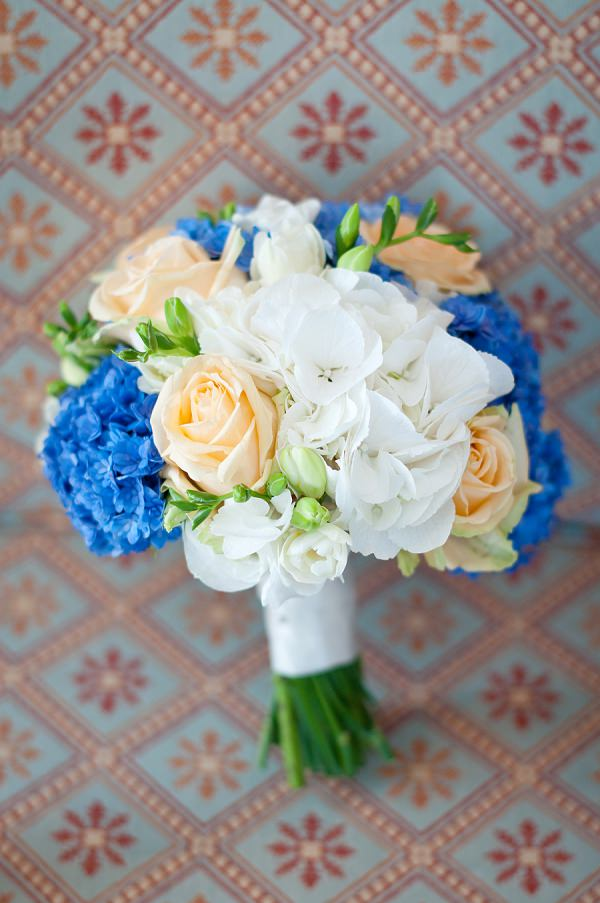 Peach Cream Blue Bouquet Chic & Relaxed Country Rustic Wedding http://www.sarareeve.com/