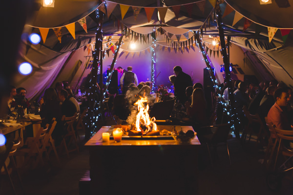 Wedding Tipi Fire Cosy Ideas http://www.andyli-photography.com/