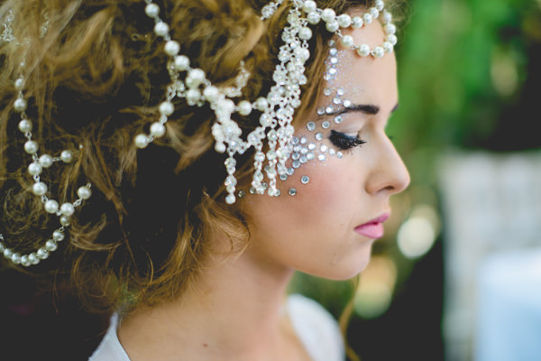 Magical Woodland Wedding Ideas Headdress Face Jewels Bride http://www.kanashay.com/
