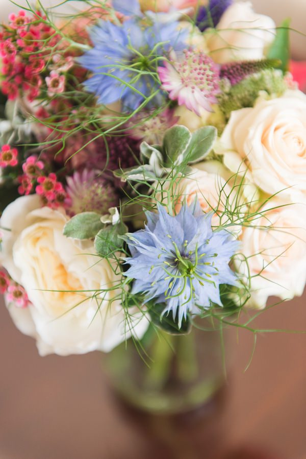 Floral Elegant London Wedding  http://www.georgimabee.com/