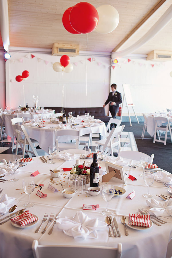 Funfair Farm DIY Wedding Balloons Red White Decor http://www.kathrynedwardsphotography.com/