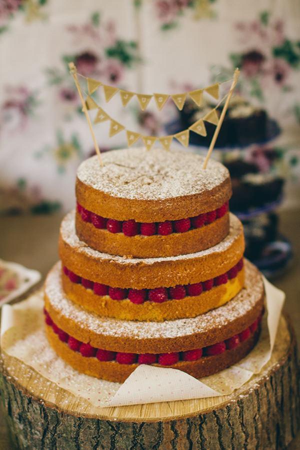 1950s Spring Village Fete Wedding Naked Sponge Cake http://www.lifelinephotography.co.uk/