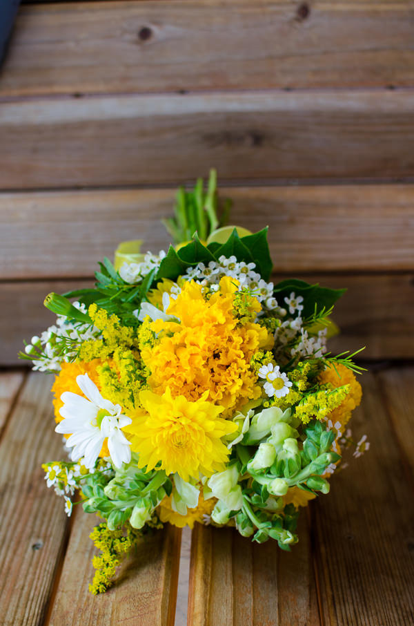 Snow Mountain Ranch Colorado Wedding Yellow Bridal Bouquet http://www.searchingforthelight.com/