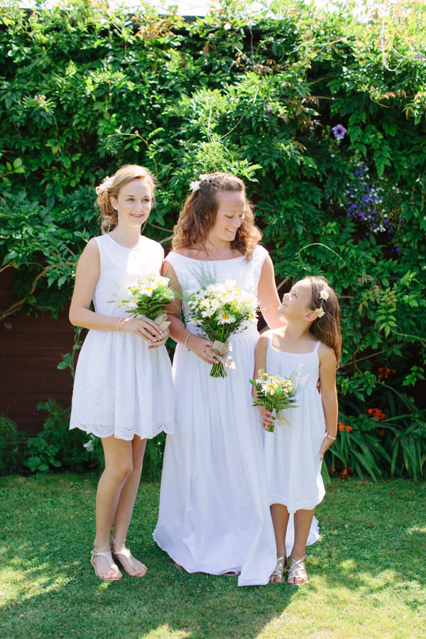Natural Rustic Daisy Wedding Flower Girls http://www.camillaarnholdphotography.com/
